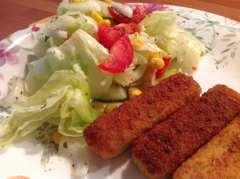 Veggie fingers and mixed salad